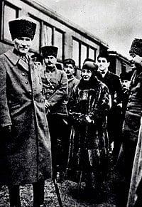 Mustafa Kemal Paşa ile Gebze İstasyonu'nda