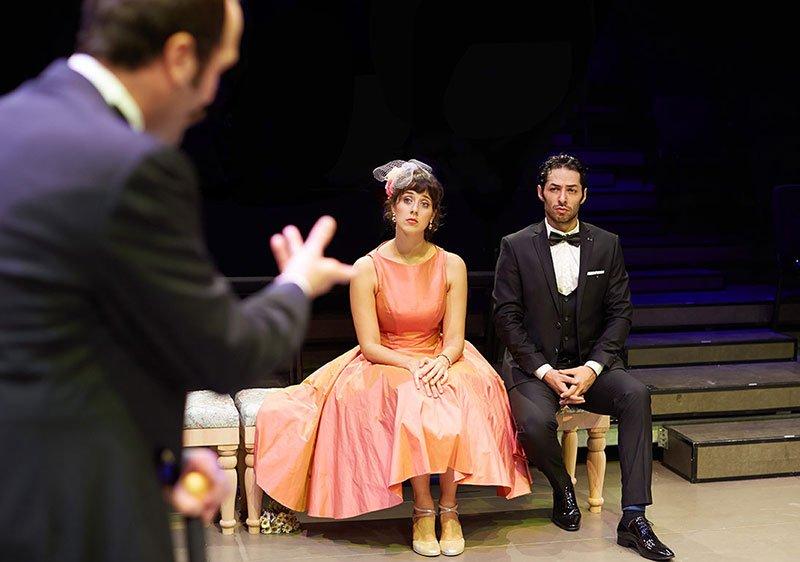 Kemal Aydoğan'ın yönettiği En Kısa Gecenin Rüyası oyunu, izleyicisiyle buluşuyor.