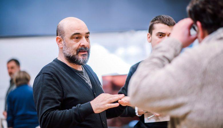 Murat Daltaban ''Meet Me At Dawn'' Oyunuyla Victoria and Albert Museum'da