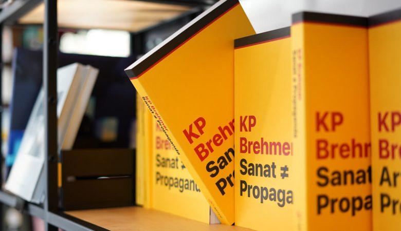 """Arter Yayınlarının 50. Kitabı: """"KP Brehmer: Sanat ≠ Propaganda"""" Çıktı"""