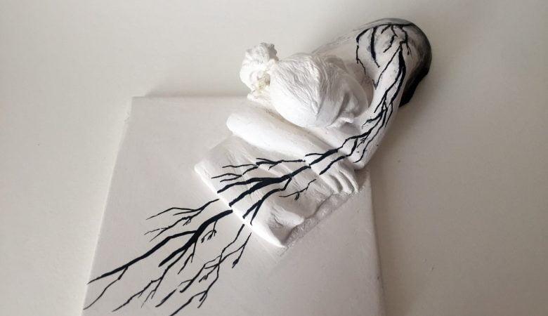 """KRANK Art Gallery'nin yeni sergisi """"Sıkıştır ve Duraklat"""" zamanın ne'liği üzerine yeniden düşündürüyor"""