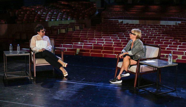 Sahne Tozu Yutanlar'ın Yeni Bölümünde Ayşe Erbulak ve Süeda Çil Konuk Oluyor