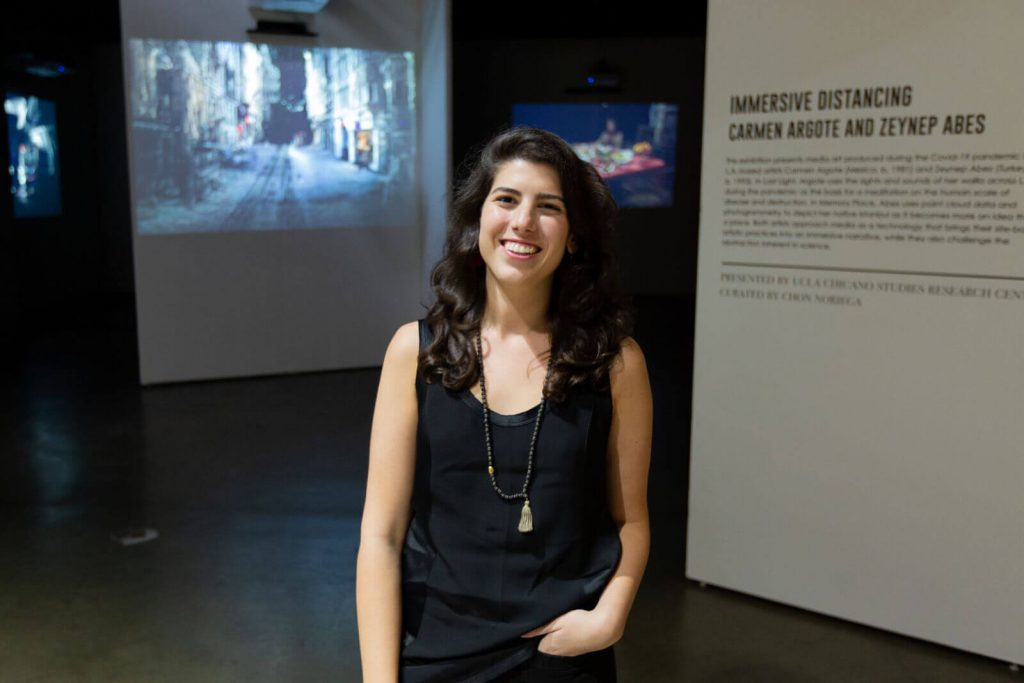 Zeynep Abeş'in İstanbul'u Los Angeles Art Show'da Sergilendi
