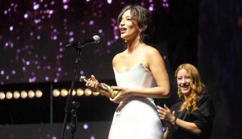 Zuhal @AntalyaFF2021 - Nihal Yalçın, En İyi Kadın Oyuncu Ödülü